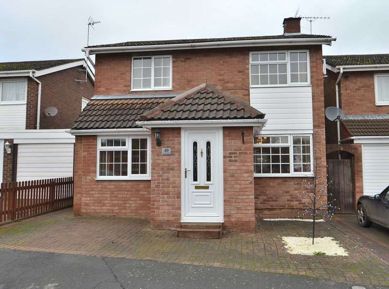 4 Bedrooms Detached House for sale in Frensham Drive, Bletchley