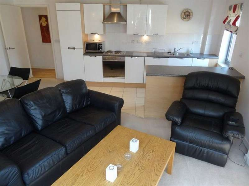 2 Bedrooms Flat for rent in The Chimes, City Centre, S1