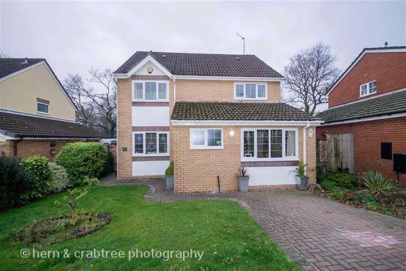 4 Bedrooms Property for sale in Denison Way, St Fagans, Cardiff