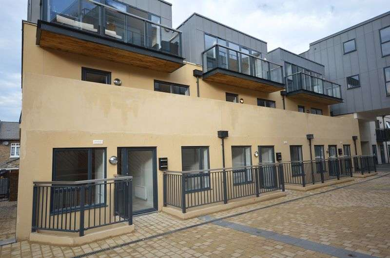 1 Bedroom Flat for sale in Old Post Office Walk, Surbiton