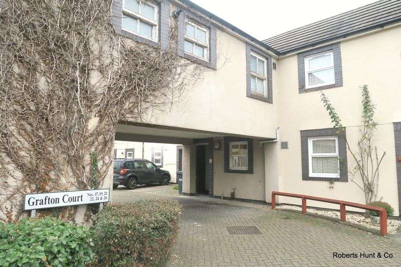 2 Bedrooms Terraced House for sale in Grafton Court, Bedfont