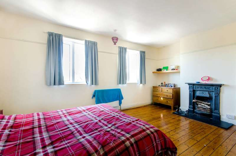3 Bedrooms Maisonette Flat for sale in Bowes Road, Arnos Grove, N11