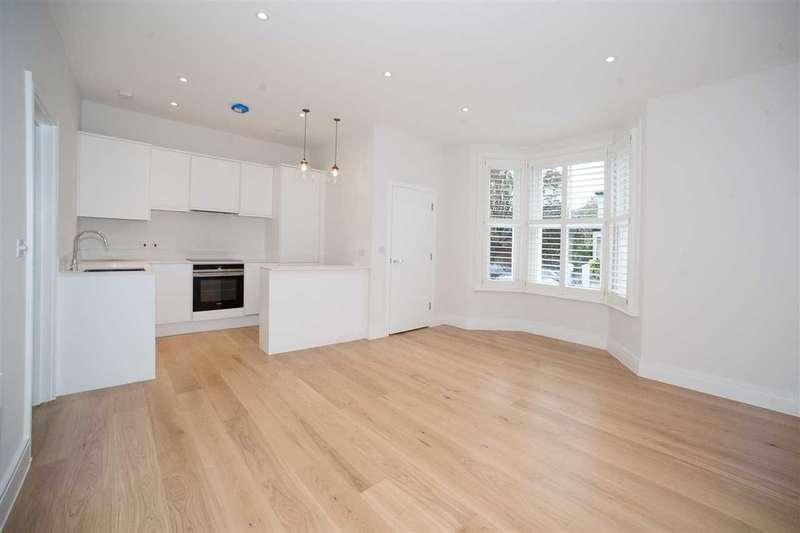 2 Bedrooms Flat for sale in Cathnor Road, Raised Ground Floor, Shepherd's Bush