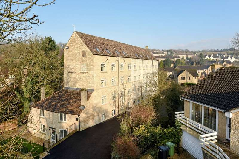 3 Bedrooms Flat for sale in Avening