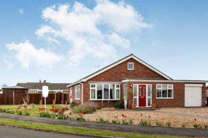 3 Bedrooms Bungalow for sale in Watton, Thetford, Norfolk
