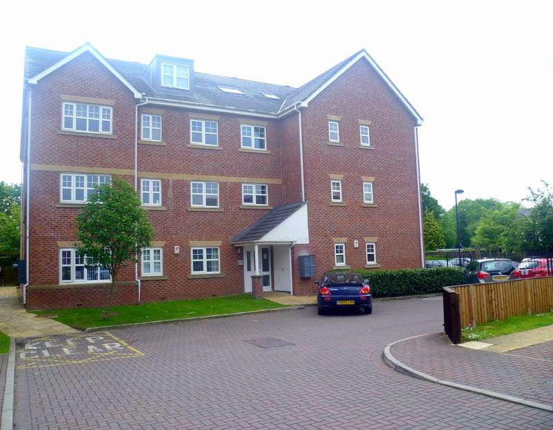 2 Bedrooms Flat for sale in Ellesmere Green, Monton, Manchester