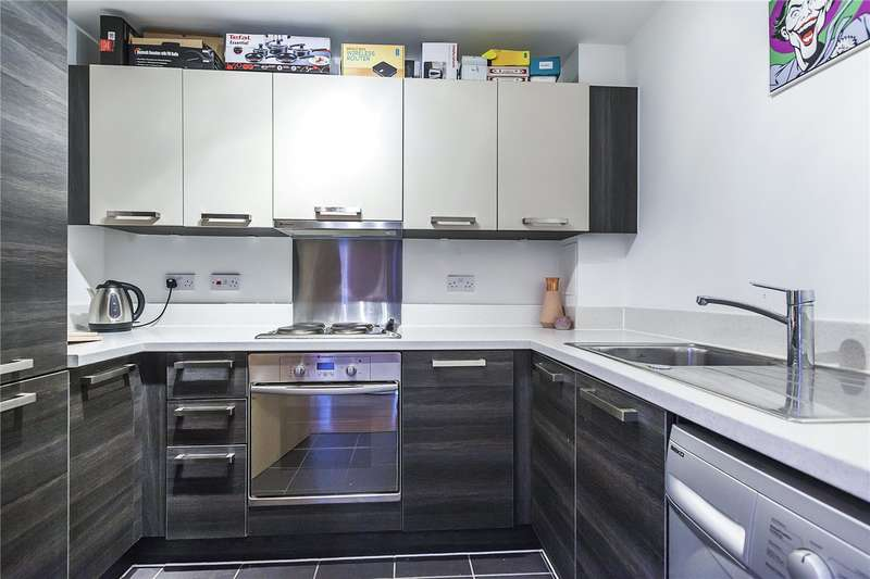 1 Bedroom Flat for sale in Ellington House, Ashmore Road, London, SE18