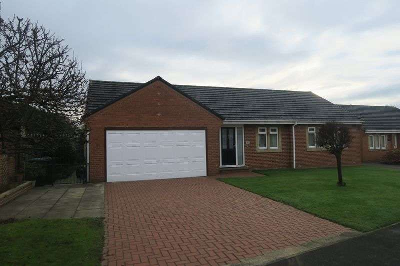 3 Bedrooms Detached Bungalow for sale in Hill Top Lane, Tingley, Wakefield
