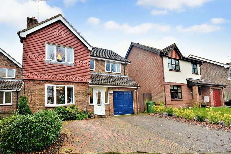 4 Bedrooms Detached House for sale in Badgers Brook Road, Norwich