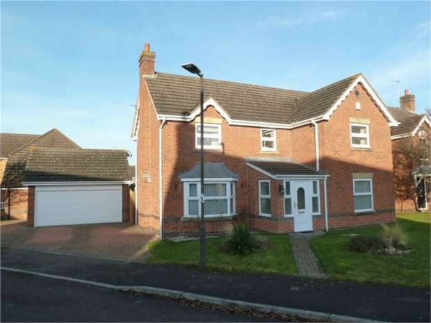 4 Bedrooms Detached House for sale in Willow Park Drive, Bishops Cleeve, Cheltenham, Gloucestershire