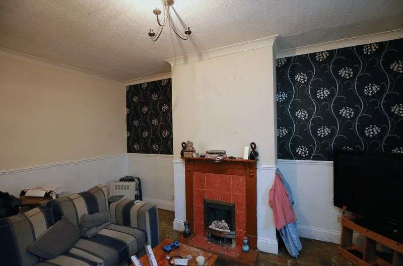 1 Bedroom Terraced House for sale in South Parade, Cleckheaton