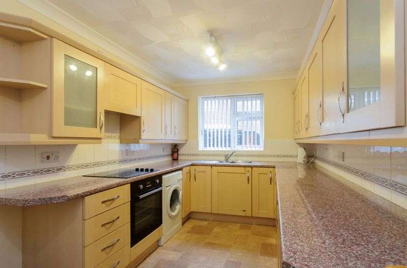 1 Bedroom Flat for sale in Ancaster Avenue, Skegness