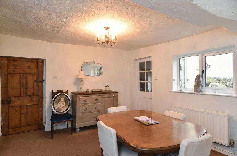 6 Bedrooms Detached House for sale in Chapel Lane, Chester