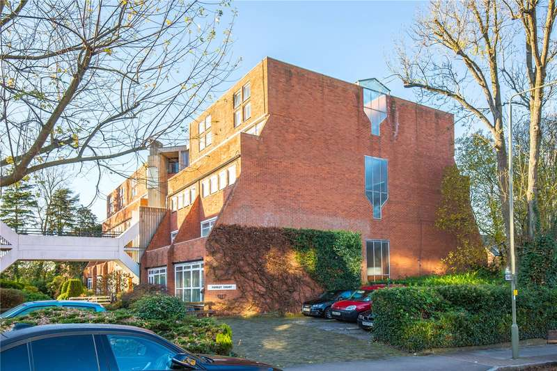 2 Bedrooms Apartment Flat for sale in Forest Court, Holden Avenue, Woodside Park, N12