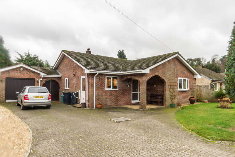 2 Bedrooms Detached Bungalow for sale in St Ives, Ringwood, Hampshire