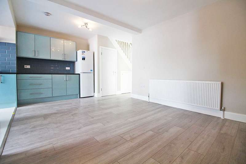 3 Bedrooms Terraced House for sale in Longthornton Road, SW16