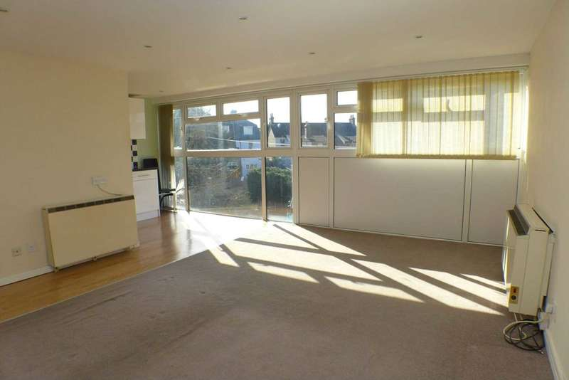 2 Bedrooms Flat for sale in Damon Court, Damon Close, Sidcup, DA14 4HP