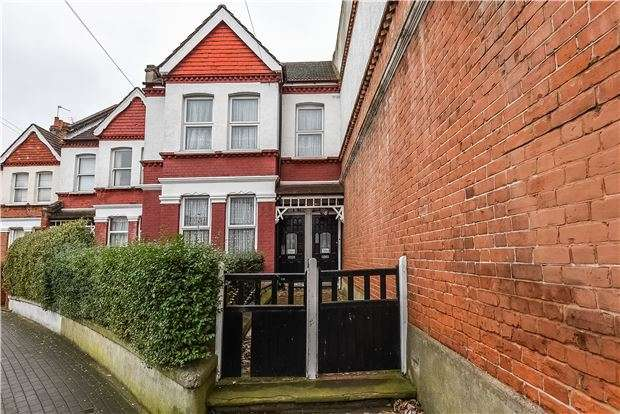 5 Bedrooms Terraced House for sale in Ravenstone Street, London, SW12 9SS