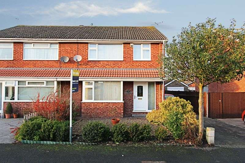 3 Bedrooms Semi Detached House for sale in Percy Close, Leconfield