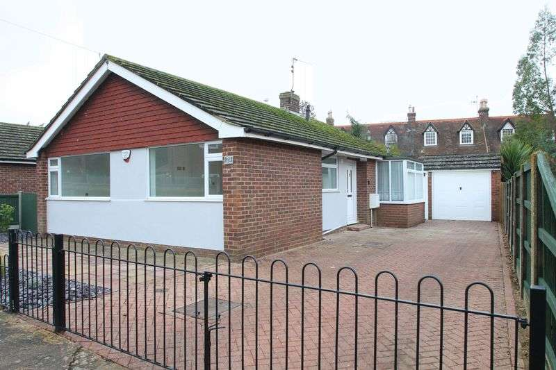 2 Bedrooms Detached Bungalow for sale in Wincheap