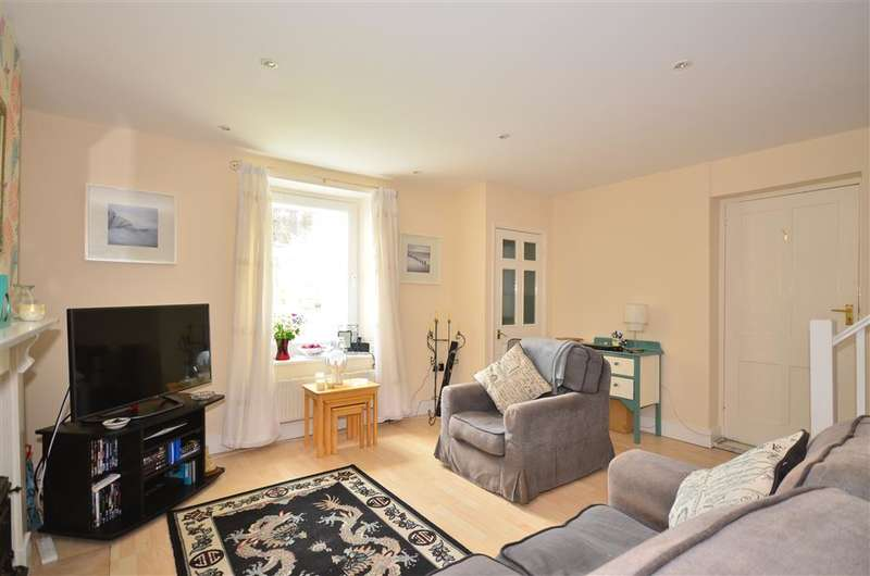 2 Bedrooms Ground Maisonette Flat for sale in Victoria Street, Ventnor, Isle of Wight