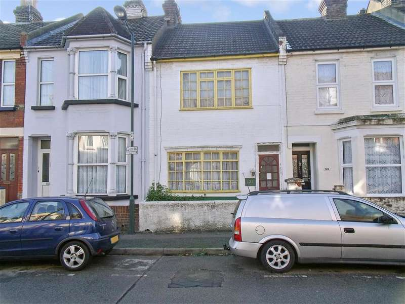 3 Bedrooms Terraced House for sale in Balmoral Road, Gillingham, Kent