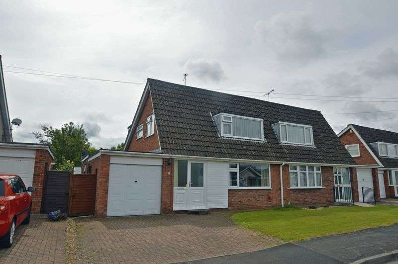 4 Bedrooms Semi Detached House for sale in Elm Close, Yatton