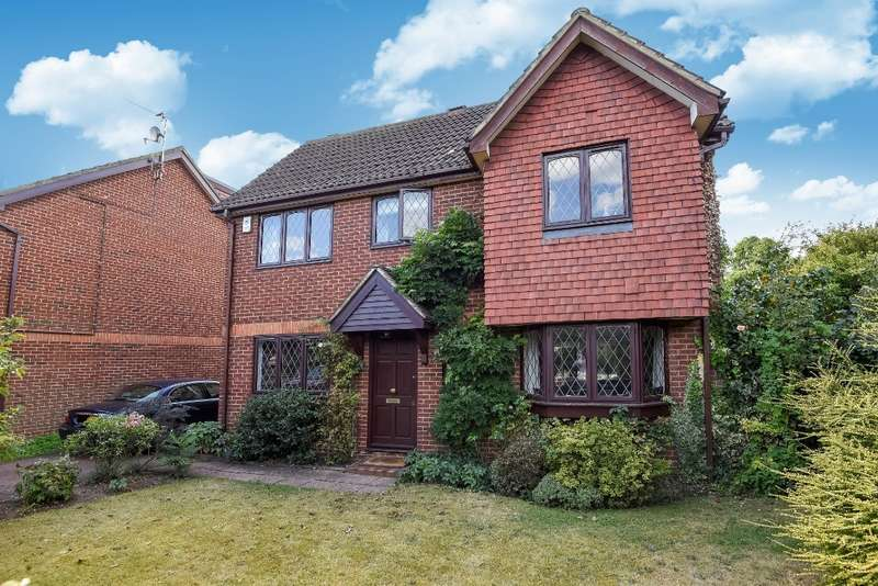 3 Bedrooms House for sale in Hazelbury Close, Merton Park, SW19