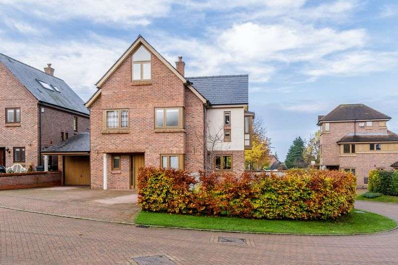 4 Bedrooms Detached House for sale in Chailey Rise, Clutton