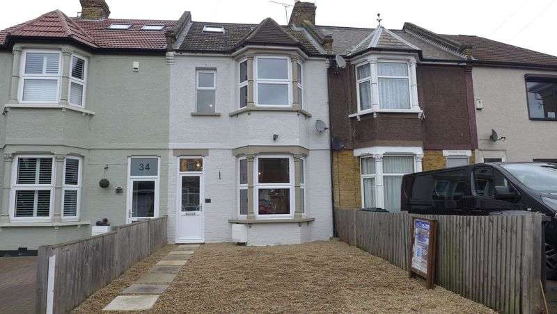 5 Bedrooms Terraced House for sale in The Brent, East Dartford