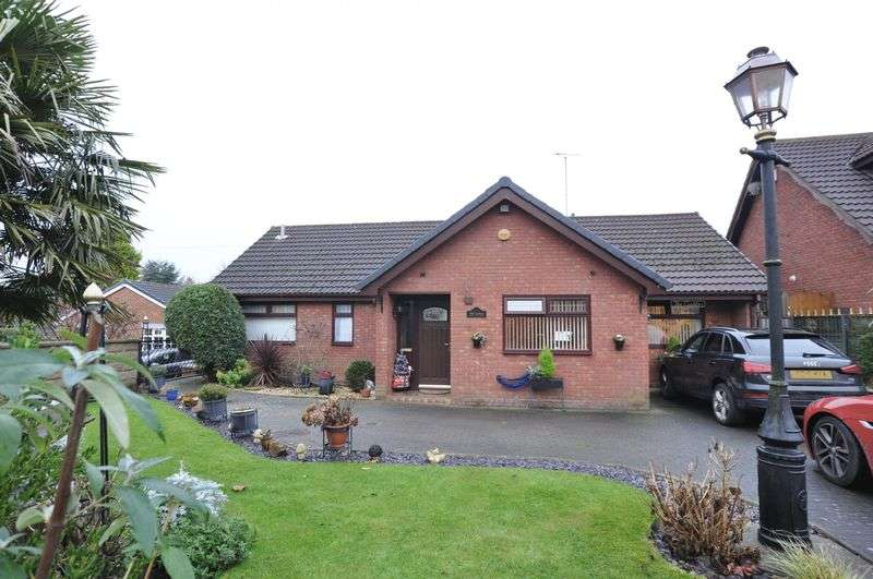 3 Bedrooms Detached Bungalow for sale in Alexandra Road, Overseal
