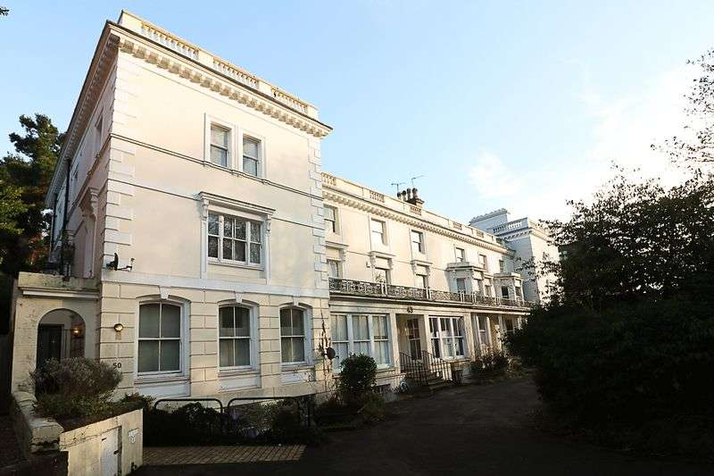 2 Bedrooms Flat for sale in London Road, Tunbridge Wells
