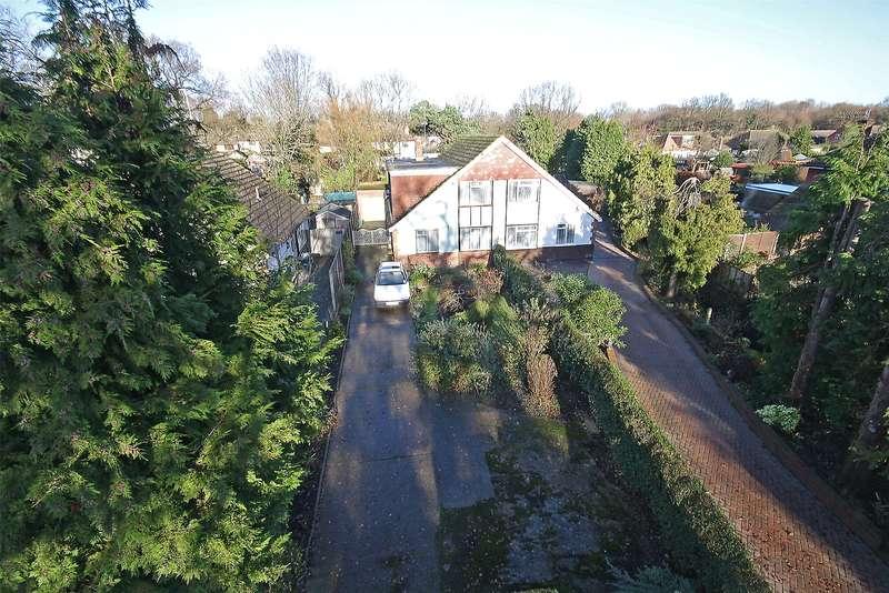 4 Bedrooms Semi Detached House for sale in Haroldslea Drive, Horley, Surrey, RH6