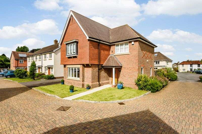 4 Bedrooms Detached House for sale in Meadow Close, Lavant