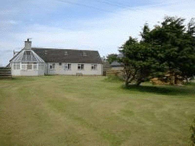 Detached Bungalow for sale in Substantial 4 bedroom detached bungalow