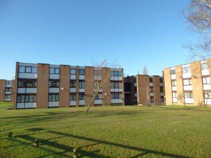 3 Bedrooms Flat for sale in Adastral Road, Canford Heath, Poole