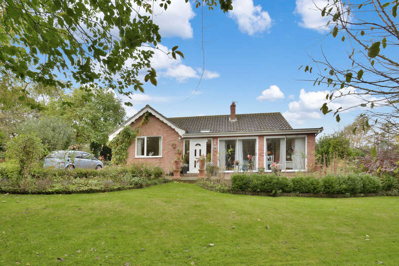 3 Bedrooms Detached Bungalow for sale in Harleston Road, Fressingfield