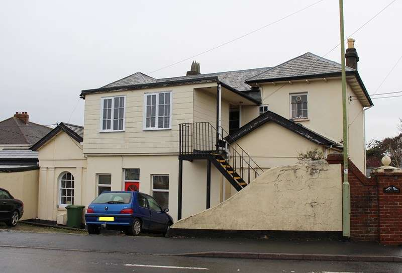2 Bedrooms Flat for sale in Northam Road, Bideford