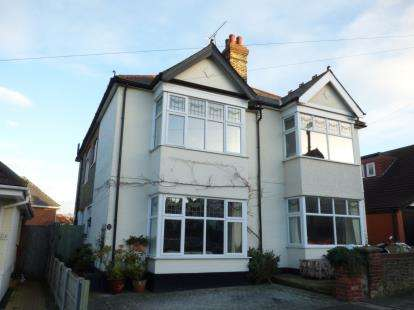 4 Bedrooms Semi Detached House for sale in Westcliff-On-Sea, Essex