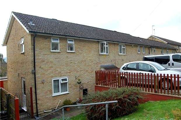 3 Bedrooms Semi Detached House for sale in Mathews Way, Stroud, Gloucestershire, GL5 4DP