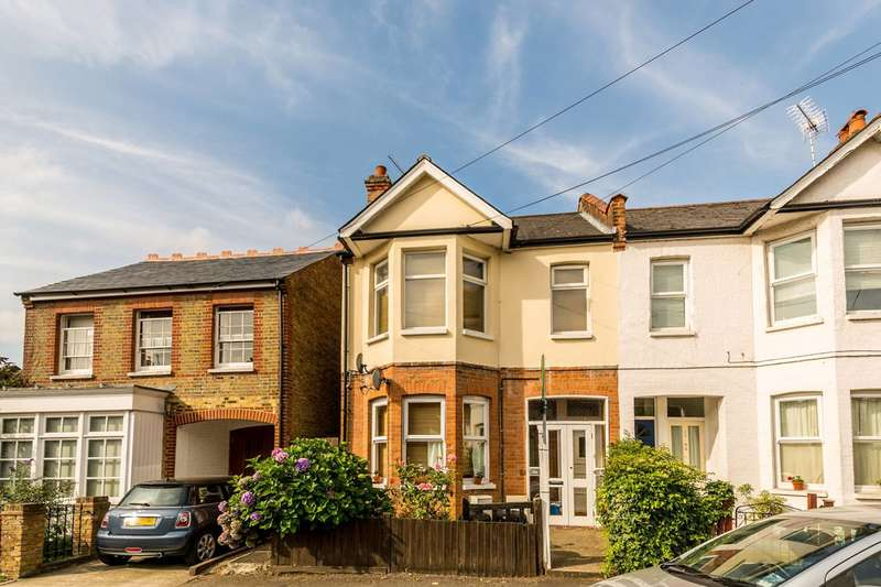 1 Bedroom Flat for sale in Gothic Road, Twickenham, TW2