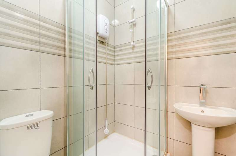 1 Bedroom Flat for sale in Lower Road, Sutton, SM1