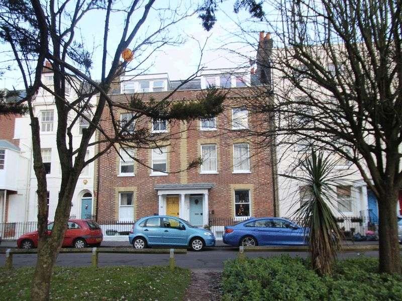 Flat for sale in South Terrace, Littlehampton