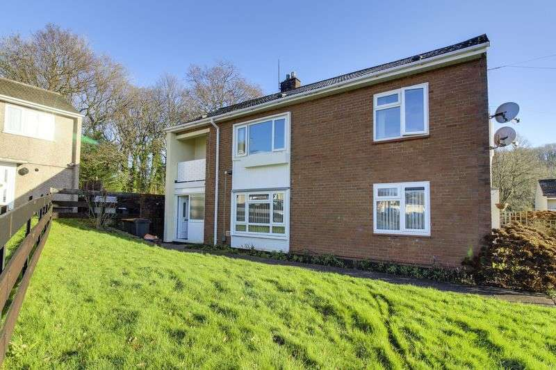 3 Bedrooms Flat for sale in Howe Circle, Newport