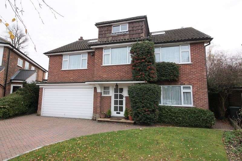 6 Bedrooms Detached House for sale in Garden Way, Loughton