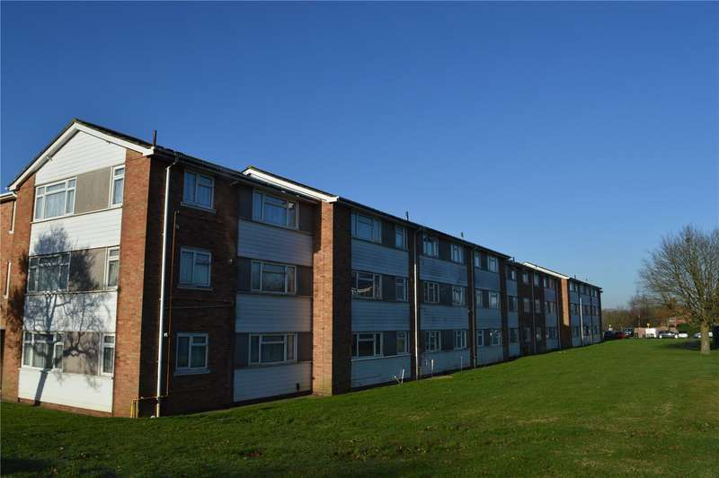 3 Bedrooms Apartment Flat for sale in Goodenough Way, Coulsdon, Surrey
