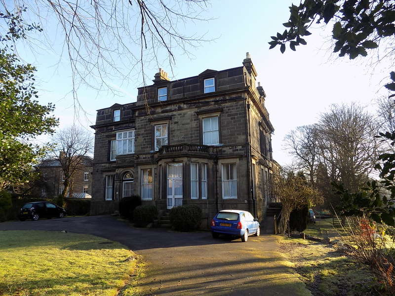 9 Bedrooms Detached House for sale in Park Road, Buxton