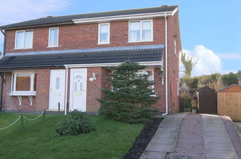 3 Bedrooms Semi Detached House for sale in Sandringham Drive, Grantham