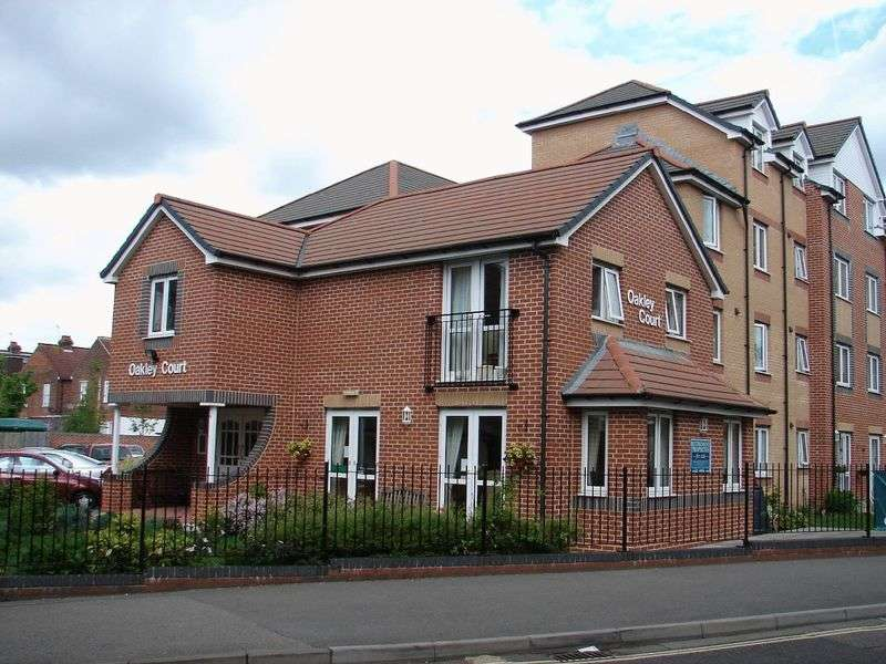1 Bedroom Retirement Property for sale in Oakley Court, Southampton, SO16 4FA