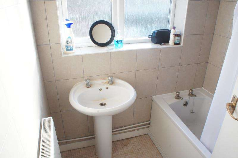 6 Bedrooms Semi Detached House for rent in Station Road, Filton, Bristol, BS34 7JW
